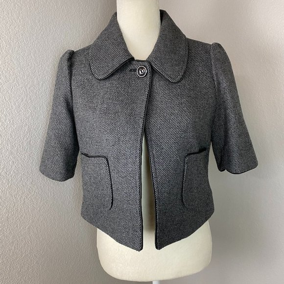 Tulle Gray Cropped Collared Blazer